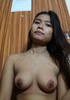 Sexy Asian Girl Plays With Her Nice Tits & Pussy